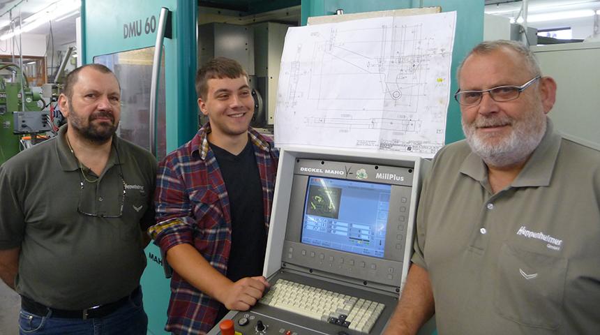Matthias Pöschl hat Prüfung zum Feinmechaniker bestanden