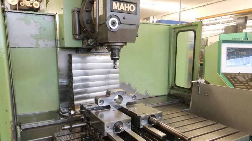 MAHO Universal – Fräsmaschine 600 E 2
